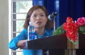 Đ/c Nguyễn Thị Do, Phó Chủ tịch Liên đoàn Lao động huyện Hòa Vang phát biểu tại Hội nghị